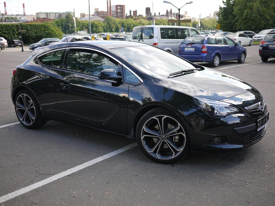Opel astra gtc j фото